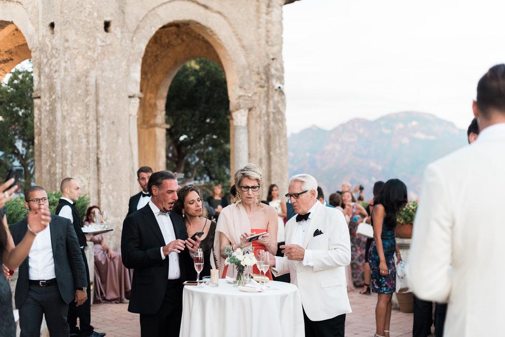 Aperitif Infinity terrace Villa Cimbrone