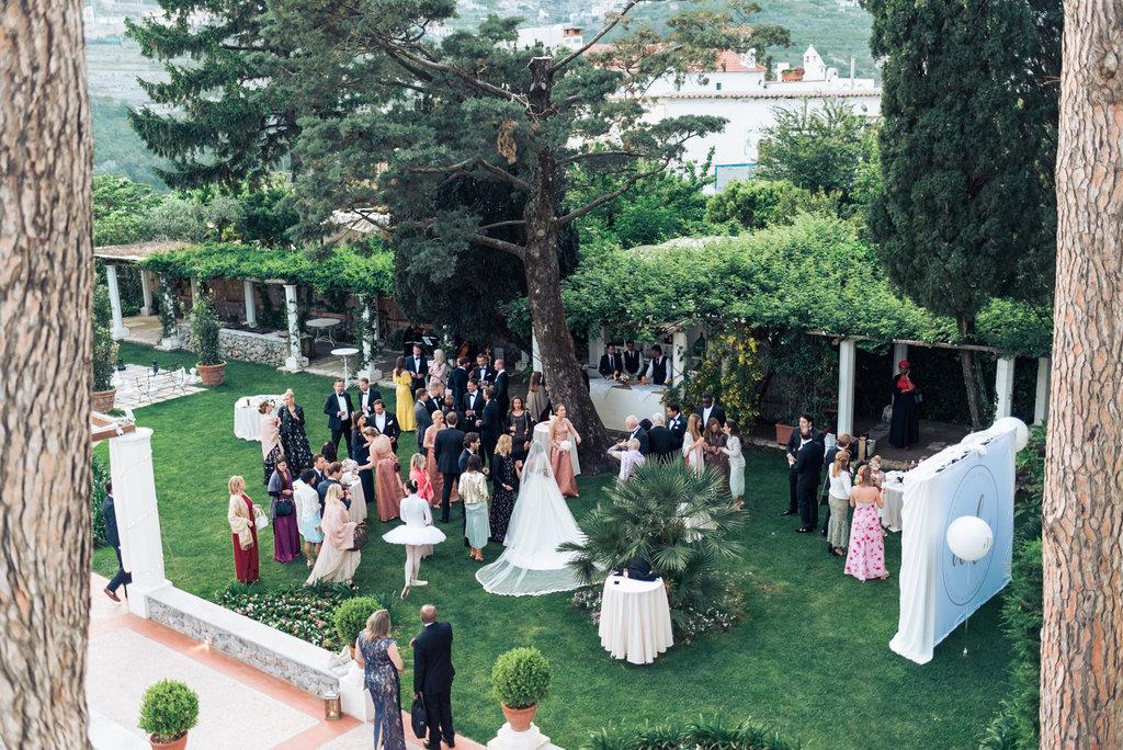 Villa Eva garden wedding venue aperitif
