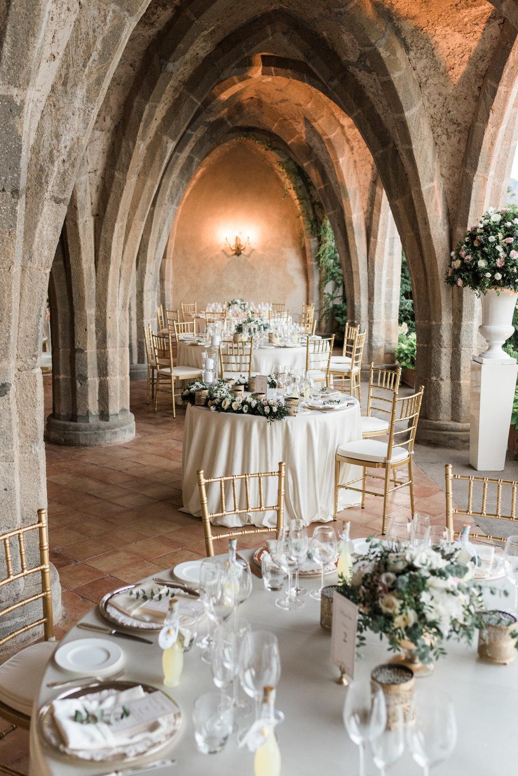 Wedding in Villa Cimbrone crypt